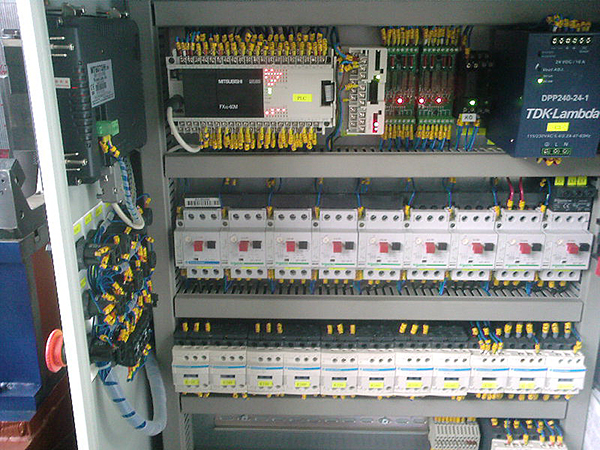 Electrical cabinet of specialized machine