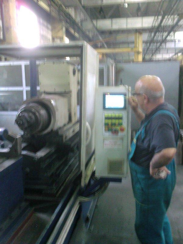Агрегатна машина с ЦПУ за обработка на телферни барабани